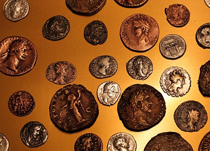 "Калининградский музей представил монеты из римского клада "" ."
